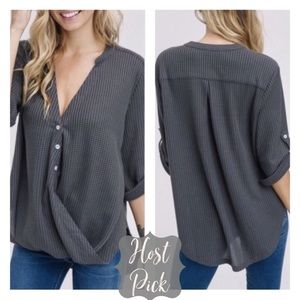 Tops - 5🌟Rated✨Small Gray Drape Waffle Knit Surplice Top